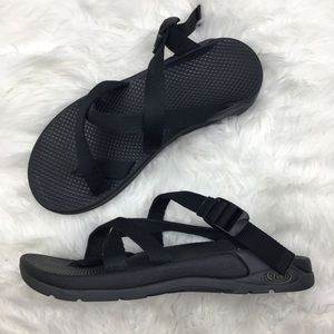 Chaco | Vibram Hiking Black Sandals 8